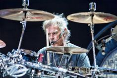 Frank Beard with ZZ Top playing his new drum set Zz Top Concert, Frank Beard, Classic Rock, Cool Bands, My Music, Drums, Concerts, Texas, Live