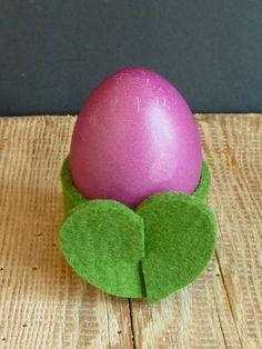Heute melde ich mich noch ganz kurz. Wisst Ihr, was das ist? Ja, genau ... Ein herziger Eierbecher : Ne, stimm...