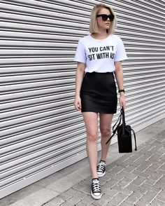 50 Leather Skirt Outfit Ideas For Every Fashionista White Outfits, Summer Outfits, Casual Outfits, Summer Skirts, Look Fashion, Fashion Outfits, Womens Fashion, Fashion Clothes, Street Fashion