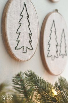 Embroidered Christmas tree hoop art Vintage, rustic, cozy Christmas decor #JMholidaystyle #holidayhousewalk2015