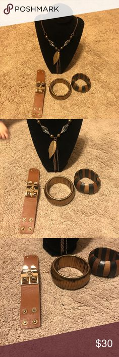 Beautiful brown leaf necklace with bracelets 20 inch beautiful good condition necklace with 3 bracelets Jewelry