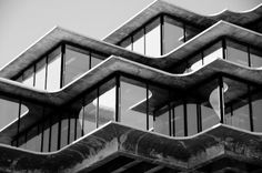 Geisel Library • La Jolla • California • William L. Pereira & Associates • 1970 La Jolla California, Stairs, Exterior, Black And White, Architecture, Home Decor, Pereira, Arquitetura, Stairway