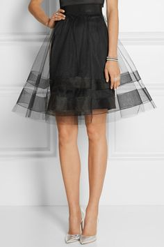 Love this simple skirt. Buy a cheap slip, get some tulle. Maybe a project? Victoria Beckham, Love Fashion, Womens Fashion, Fashion Design, Party Fashion, A Line Skirts, Tulle Skirts, Tulle Dress, Playing Dress Up