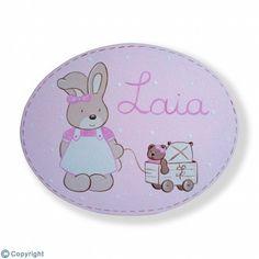 Placa de puerta personalizada: Conejita con su carrito de juguetes (ref. 19105-01)