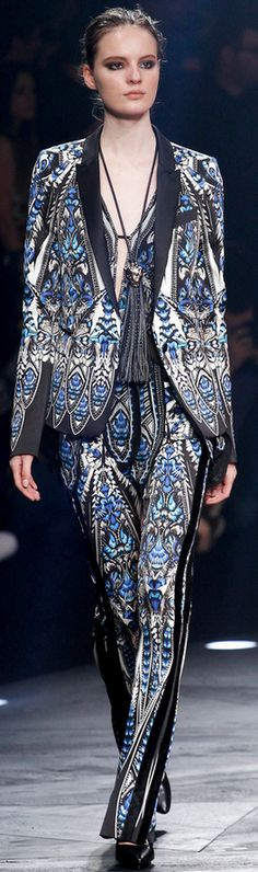 Roberto Cavalli Autumn/Winter 2014 - 2015. It is busy, and so out of my usual, but I really like this suit. I would wear it.