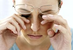 Home cure for Dry Eyes with effective Home Remedies that relieve dry eyes. Signs, symptoms and Dry eye causes, treat lasik dry eye and its natural treatment Dry Eye Symptoms, Dry Eyes Causes, Fatigue Causes, Chronic Fatigue Syndrome, Itchy Eyelids, Droopy Eyes, Reflux Gastrique, Troubles Digestifs, Eye Infections