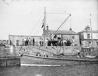 Howth harbour Old Photos, Vintage Photos, Irish Eyes, Belfast, Black And White Photography, Dublin, Sailing Ships, Paris Skyline, Britain