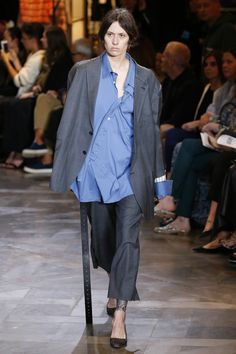 Vetements | Ready-to-Wear Spring 2017 | Look 1