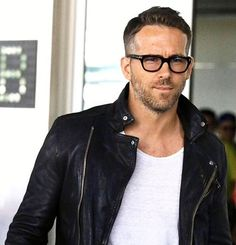 #ryanreynolds rocking @tomford #glasses no doubt the coolest glasses ever [ http://ift.tt/1f8LY65 ]