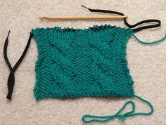 knooking page - I'm ready to start. Finger Knitting, Loom Knitting, Knitting Stitches, Knitting Patterns, Crochet Patterns, Tunisian Crochet, Crochet Yarn, Crochet Hooks, Yarn Projects