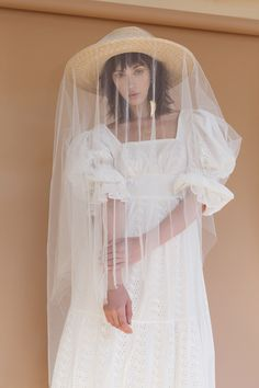 Modern bride in s straw hat and veil. For the Most Curious Wedding show, March Image by Katy Thomas. Bridal Hat, Bridal Style, Bridal Gowns, Wedding Dresses, Wedding Fair, Wedding Blog, Hair Wedding, Boho Wedding, Surprise Wedding