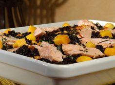 Arroz negro com salmão e manga - Veja como fazer em: http://cybercook.com.br/receita-de-arroz-negro-com-salmao-e-manga-r-6-12658.html?pinterest-rec