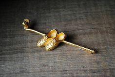 Golf vintage 50sneavy gold tone metal pin-brroch golf club