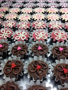 Best handmade brownies using premium ingredients. Rich tasting, unique flavors and elegantly packaged brownies, brownie towers and petite brownies for holidays and gifts. Valentine Day Love, Cookie Cutters, Bakery, Sweet Treats, Holiday, Gifts, Handmade, Presents, Hand Made