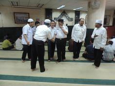 Meninggalkan kegiatan di Masjid menuju ke Kantor