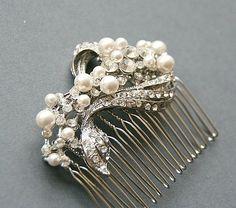 Vintage style bridal crystal pearl wedding hair comb
