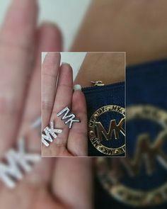 Aretes MK 😘acero inoxidable con diamantes $120