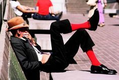 Just picked up my red socks. Fashion Socks, Mens Fashion, Colorful Socks, My Socks, Pretty Outfits, Pretty Clothes, People Around The World, Color Pop, Sexy Men
