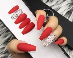 Classic Red set w / crystal bling accent Press-on nails (en) Any shape False nails False nails Glue on nails - Classic red set w crystal bling accent press on faux Red Acrylic Nails, Acrylic Nail Designs, Red Nail Designs, Red Ombre Nails, Red Matte Nails, Nail Pink, Red Glitter Nails, Blue Nails, Red Tip Nails