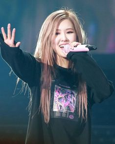 My hunter – Jennie Kpop Girl Groups, Korean Girl Groups, Kpop Girls, Foto Rose, Rose Icon, Rose Park, 1 Rose, Black Pink Kpop, Rose Wallpaper