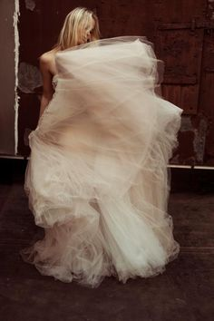 Never thought I'd be a tulle bride but the more pictures I see, the more I'm warming to it.