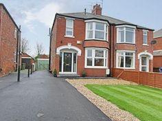 3 bedroom property in Woodhall Way, Beverley - £264,995