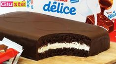 Kinder giant cake so delicious - Recipes of Kitchen Giusté (needs to be translated into English) Sweet Recipes, Cake Recipes, Giant Cake, Just Cakes, Oreo Cheesecake, Frozen Desserts, Bakery, Sweet Treats, Yummy Food
