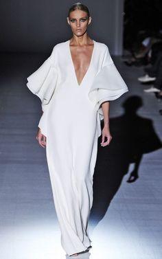Gucci SS 2013 plunging neckline white gown <3