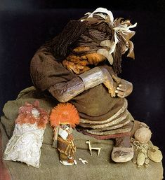 Incan mummies were typically those of sacrificed people and emperors. They were preserved with their precious possessions. These mummies are some of the most well preserved mummies in the world, with intact organs and skin. Mummies were often preserved naturally due to cold temperatures. Mummies were kept in structures called huacas.
