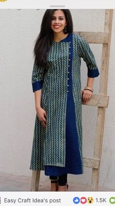 Best 12 Ikat Plissee Kurta Holen Sie sich diesen Look von Fab Darzi – SkillOfKing. Salwar Pattern, Kurta Patterns, Dress Patterns, Clothing Patterns, Churidar Designs, Kurta Designs Women, Dress Neck Designs, Blouse Designs, Kurta Neck Design