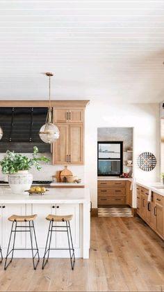 Rustic Kitchen Design, Home Decor Kitchen, Interior Design Kitchen, Home Kitchens, Kitchen Ideas, Kitchen Modern, Earthy Kitchen, White Oak Kitchen, Classic White Kitchen