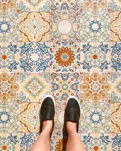 """❊ Mélanie Manyun Yau ❊ on Instagram: """"Do you have a thing for pretty floors too? 🌸🌞⚜️ ❊ With everything going on around us lately, noticing and focusing on the beauty in some…"""" Everything Goes, To Go, Slip On, Flooring, Pretty, Beauty, Instagram, Fashion, Beleza"""