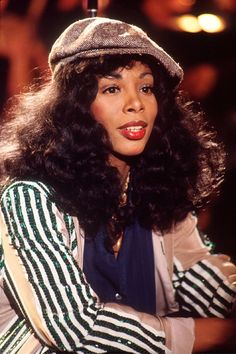 """Queen of Disco and five-time Grammy winner Donna Summer died today. She was The singer, who rose to popularity in the is known for her hits """"Last Dance,"""" """"Bad Girls,"""" and """"She Works Hard for the Money. Dance Music, Dona Summer, Summer 3, Beautiful Black Women, Beautiful People, Beautiful Ladies, Musica Disco, Mode Alternative, American Bandstand"""