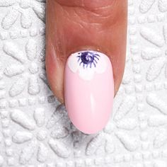 This Floral Nail Is Perfect For Beginners