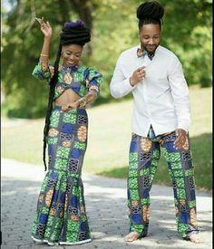 Couple en pagne vert