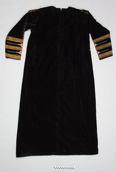 Regional female dress, Saudi Arabia