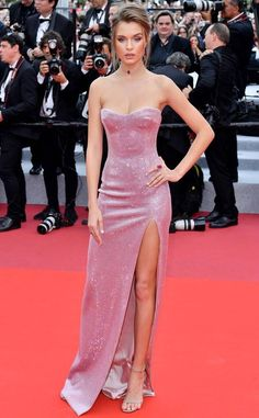 celebrity style red carpet gowns Josephine Skriver from 2019 Cannes Film Festival: Best Style Moments Celebrity Fancy Dress, Celebrity Style, Celebrity Gowns, Josephine Skriver, Sonam Kapoor, Irina Shayk, Festival Looks, Festival Style, Design Festival