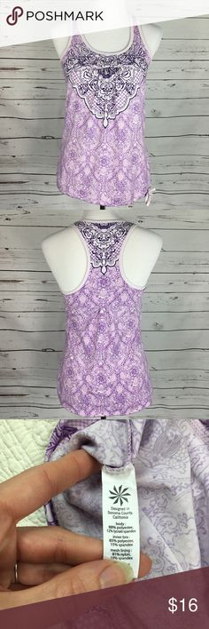 Athleta Sports Tank w/built in bra. Size Small Athleta Tank w/ built in shelf bra. Size Small. Please See All Pictures For Approximate Measurements. Thank you for shopping my closet. 🌸 Athleta Tops Tank Tops