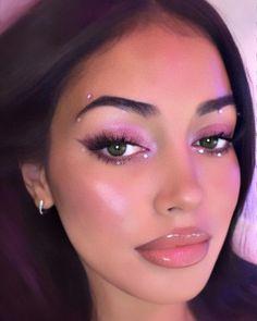 makeup new makeup tape makeup under eye eye makeup remover necessary makeup set makeup in hindi eye makeup trends makeup zodiac Gem Makeup, Rave Makeup, Makeup Eye Looks, Creative Makeup Looks, Pretty Makeup, Skin Makeup, Jewel Makeup, Gorgeous Makeup, White Eye Makeup