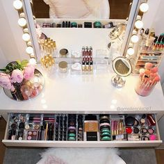 What a perfectly organized vanity! Looks lovely!