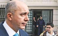 """Omul de afaceri Gabriel Puiu Popoviciu a fost condamnat definitiv de Înalta Curte de Casație și Justiție la 7 ani de închisoare în dosarul """"Băneasa"""".  Instanța supremă a admis în parte apelul lui Popoviciu și i-a scăzut pedeapsa de la 9 ani, cât primise la Curtea de Apel București, la 7 ani închisoare. Decizia este definitivă."""