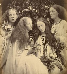 """The Rosebud Garden of Beautiful Maidens"" photo by Julia Margaret Cameron The art of tableaux was a popular genre in late Victorian times. Julia Margaret Cameron took this form to its artistic apogee Charles Darwin, Vintage Pictures, Vintage Images, John Everett Millais, Julia Cameron, Julia Margaret Cameron Photography, August Sander, Dante Gabriel Rossetti, Victorian"