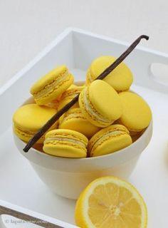 Zitronen Macarons mit Vanille Macarons with lemon vanilla – Desserts World Cake Recipes, Dessert Recipes, Desserts, Dessert Design, Puff Pastry Recipes, Savory Pastry, Choux Pastry, French Food, Crack Crackers