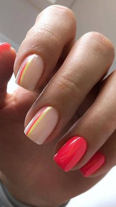 Neon is the trend of the year, but wearing it is not as easy as it seems. If you love it, but you think it might be too much, why not embrace it on your nails? Cute Gel Nails, Neon Nails, Fancy Nails, Neon Nail Art, Stylish Nails, Trendy Nails, Fire Nails, Minimalist Nails, Best Acrylic Nails