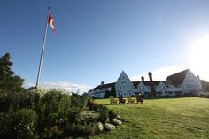 Beatiful Keltic Lodge at A stunning setting, great rooms and local entertainment. Not to mention Highlands Links; one of great golf courses in the country. Cape Breton, New Brunswick, Nova Scotia, Highlands, Great Rooms, Golf Courses, Places To Visit, Canada, Entertainment