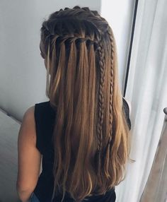 51 Cute Waterfall Braid Hairstyle Ideas For Girls Selecting a hairstyle may be difficult. If you want a show-stopper hairstyle, waterfall braid hairstyle is the one for you. Pretty Hairstyles, Girl Hairstyles, Braided Hairstyles, Hairstyle Ideas, Amazing Hairstyles, Bohemian Hairstyles, Simple Hairstyles, Kids Wedding Hairstyles, Newest Hairstyles