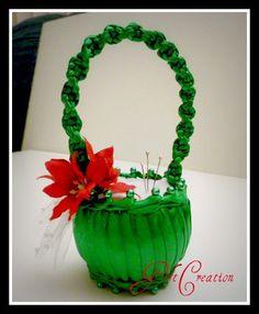 Christmas Pointsettia Pincushion  Wedding Favor  by GiftCreation, $19.50