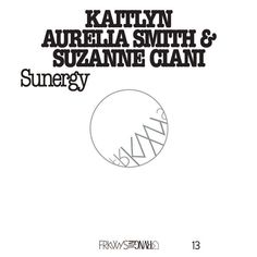 Kaitlyn Aurelia Smith & Suzanne Ciani - FRKWYS Vol. 13: Sunergy En savoir plus sur https://www.192kb.com/boutique/musique/vinyle/kaitlyn-aurelia-smith-suzanne-ciani-frkwys-vol-13-sunergy/