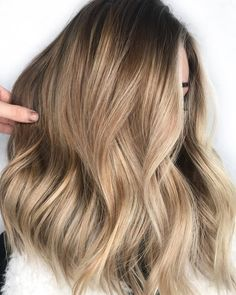 Balayage Blonde Ends - 20 Fabulous Brown Hair with Blonde Highlights Looks to Love - The Trending Hairstyle Dark Ombre Hair, Brown Blonde Hair, Ombre Hair Color, Light Brown Hair, Hair Color Balayage, Light Hair, Hair Highlights, Hair Colors, Medium Ash Blonde Hair