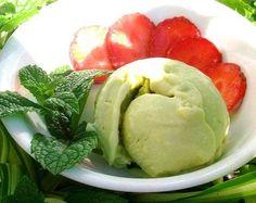 Una bola de helado casero - foto (c) Robin Grose